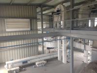 Fábrica de alimento granulado para avicultura